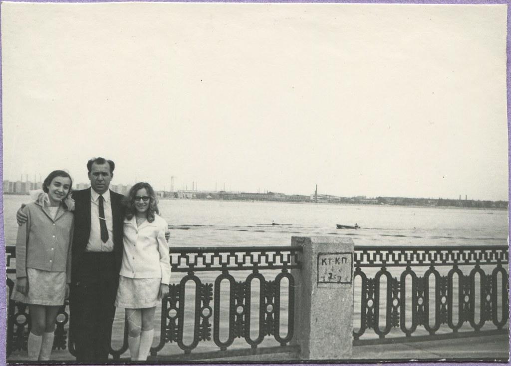 фото: Сичеславская набережная 1973XXXX и левый берег PAPER2000 [Вовк В.Н.]