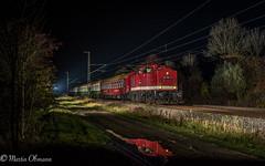114 703 mit Leerreisezug bei Oßmannstedt c (Emotion-Train) Tags: v100 press apolda dlr 112 703 114 mitropa blitz night nacht foto