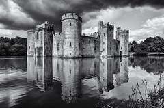 Reflections (David Feuerhelm) Tags: mono monochrome blackandwhite bw noiretblanc scarzundweiss blancoynegro contrast building old hidtoric history castle towers moat water reflections sky clouds wideangle bodiam sussex nikkor 1685mmf3556 nikon d7100 england