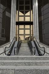 entrée (Rudy Pilarski) Tags: nikon d750 dowtown design old line ligne paris france francia europe europa color couleur colour architecture architectura architectural