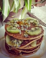 Sábado rima com panquecas   #autumn2018🍁🍂 #september2018 #weekend🎆🎉 #saturday #sunnyday☀️ #goodmorning #breakfast #myrecipe📝 #healthychoices #healthyfood #pancakes #oatmealflour #egg #vegetabledrink #fruit # (Isabel Aragão Oliveira) Tags: saturday myrecipe cinnamon egg behappybehealthy oatmealflour fruit weekend healthyfood shoyce prozis goodmorning yum healthychoices top honey fitgirl homesweethome lactosefree homemade glutenfree sugarfree pancake pancakes vegetabledrink september2018 autumn2018 breakfast sweetmoments sunnyday
