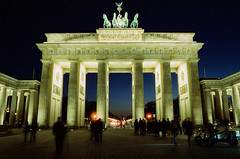 (g026r) Tags: berlin m42mount cinestill800t film cinestill pentaxspotmaticii roll222 colour 135film asahiopticalco c41 spotmatic chromogenic m42 manualfocus germany