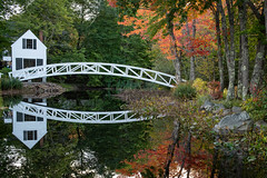 Somesville Foot Bridge (MichellePhotos2) Tags: somesville foot bridge footbridge acadia mountdesertisland reflection autumn fall color arch wooden historic selectmensbuilding maine nikon d850 nkiond850 prime 35mm