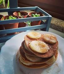 Bom dia    #summer2019🌞🌊 #september2019 #weekend🎆🎉 #sunday #sunnyday🌞 #goodmorning #myrecipe📝 #healthychoices #egg #oatmealflour #vegetabledrink #banana🍌 #cinnamon #honey🍯 #pancake #ho (Isabel Aragão Oliveira) Tags: myrecipe cinnamon egg behappybehealthy oatmealflour weekend quaker goodmorning yum healthychoices top honey fitgirl homesweethome lactosefree banana homemade sugarfree pancake makesomeonehappy vegetabledrink sunday summer2019 september2019 continentebioaveia sunnyday
