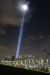 IMG_5182 (Mud Boy) Tags: newyork nyc brooklyn downtownbrooklyn 911 tributeinlight|nationalseptember11memorialmuseum 911tributeinlight memory memorial thetributeinlightisanartinstallationof88searchlightsplacedsixblockssouthoftheworldtradecenterontopofthebatteryparkinggarageinnewyorkcitytocreatetwoverticalcolumnsoflighttorepresentthetwintowersinremembranceoft tributeinlight frombrooklyn