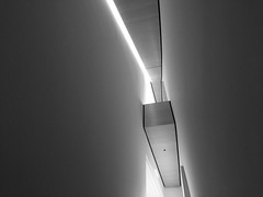 IMG_1894 / desaturated overhead at sfmoma (janeland) Tags: sanfrancisco california 94103 sfmoma monotone sanfranciscomuseumofmodernart july 2018 bw blackwhite desaturated iphone overhead abstract architecturaldetail