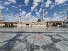 Serenity (pixelasso) Tags: madina religious islamic prophets mosque ksa wideangle ultrawide phone samsung galaxys10 android architecture landmark masjid sky clouds day perspective blue white
