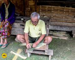 Bamboo weaving, Handicraft of Laos (Uralistan.roadtrip) Tags: laos tradition culture venelle voyage travel travelling traveling voyager asia asie asiedusudest southeastasia handicraft crafter craft artisan artisanat village countryside campgane rural