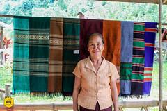 Silk weaving, Handicraft of Laos (Uralistan.roadtrip) Tags: laos tradition culture venelle voyage travel travelling traveling voyager asia asie asiedusudest southeastasia handicraft crafter craft artisan artisanat village countryside campgane rural