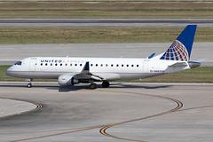 United Express (Mesa Airlines) Embraer 175 N88330 KIAH 20OCT19 (FelipeGR90) Tags: embraer175 georgebushintercontinental houstonintercontinental mesaairlines superspatula unitedexpress ash airshuttle ejets e175 erj175 htx houston iah kiah n88330 yv texas unitedstatesofamerica