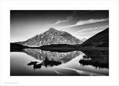 Llyn Idwal, Snowdonia (Ian Bramham) Tags: snowdonia lynidwal lake penyrolewen mountain wales