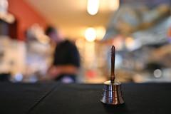 La fée clochette est de retour... :-) (Thierry.Vaye) Tags: nikon z6 sigma art 24mm f14 clochette bokeh flou cuisine passeplat