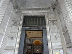 Italy - Rome - Pantheon - Entrance (JulesFoto) Tags: italy rome roma pantheon church doors