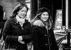Royal Mile, Edinburgh (Cycling-Road-Hog) Tags: beret candid canoneos750d citylife edinburgh edinburghstreetphotography fashion places royalmile scarf scotland street streetphotography streetportrait style urban