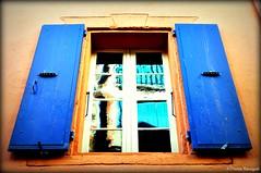 Reflets dans la fenêtre (bleumarie) Tags: 9novembre2019 automne2019 côterocheuse côtevermeille mariebousquet mididelafrance novembre2019 suddelafrance 2019 automne bleumarie côte catalogne collioure france horssaison languedocroussillon littoral méditerranée méridional mer midi occitanie pyrénéesorientales roussillon sud nikon nikond90 d90