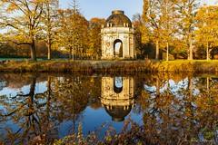 An der Graft (Ria Trouw) Tags: hannover herrenhausen gärten graft pavillon herbst herbstlaub