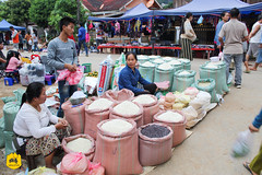Local market of Nongkhiaw, Laos (Uralistan.roadtrip) Tags: laos tradition culture voyage travel travelling traveling voyager asia asie asiedusudest southeastasia market localmarket marché marchélocal nongkhiaw countryside campagne rural rice riz