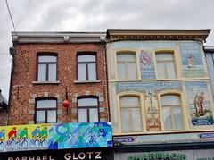 Pharmacie belge - Belgian drugstore (@ngèle) Tags: belgique belgium wallonie binche pharmacie drugstore architecture artnouveau céramique 1908 publicité signe sony dscrx100 peinture vélos tourdefrance maison house façade