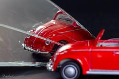 Crack (Digifred.nl) Tags: macromondays reflection digifred 2019 makingof nederland netherlands pentaxk5 hmm macro macrophotography closeup volkswagen vw auto spiegel gebroken scherf spiegeling car mirror broken shard mirroring