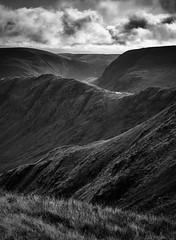 Long Stile (l4ts) Tags: landscape cumbria lakedistrict fareasternfells straitsofriggindale shortstile longstaile caspelgate tarn harterfell cloudscape clouds blackwhite monochrome