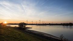 Dennhausen Niedersachsen 22 02323514 (Wolfgang Schrade) Tags: gms gmsniedersachsen22 schiff binnenschiff elbe fluss river drennhausen sonnenuntergang sunset wasser water 02323514