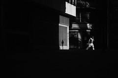 A Paso Firme (natan_salinas) Tags: valparaíso valpo streetphotography fotografíaurbana fotografíacallejera bw blackwhite blanconegro bn blancoynegro blackandwhite monocromático monochrome nikon gente look people city ciudad d5100 calle street architecture noiretblanc urbe urban urbano arquitectura luz light shadow sombras 50mm man male hombre