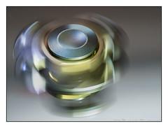 Fidget Spinner on Beauty Mirror (GAPHIKER) Tags: reflection fidget spinner spinning mirror beauty hmm macromondays 55micronikkorf28 55mm nikkor micro macro clean