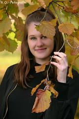 Herbst / Autumn Shooting (R.O. - Fotografie) Tags: herbstshooting herbstaufnahme shooting autumn autumnshooting peopleshooting people mensch frau women rofotografie girl outdoor outside brakel panasonic lumix dcfz10002 dcfz1000ii