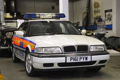 P161 PYW (S11 AUN) Tags: london metropolitan police rover 800series 827i honda 27 v6 fuel injection fastback video equipped interceptor traffic car roads policing unit rpu 999 emergency vehicle metpolice p161pyw