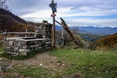 (Alessio Corsi) Tags: trekking hiking mountains appending toscana tuscany italia italy nature naturaleza fall autumn foliage autunno nikon digitalphotography digital kilometroinverso