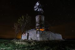 El abuelo molino (Yorch Seif) Tags: noche night nocturna nocturnal longexposure largaexposicion estrellas stars d7500 tokina1116 molino windmill
