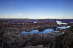 Looking out over Arizona (CraDorPhoto) Tags: canon5dsr landscape water lake lakepowell alstrompoint nature outdoors outside utah usa mountains gunsightbutte valley