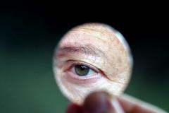 La ballata del vecchio marinaio (meghimeg) Tags: 2019 lavagna riflesso reflection macromonday occhio eye specchio mirror dita fingers