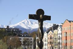 Innsbruck am 10.11.2019 (pilot_micha) Tags: 10112019 alpen fluss hauptstadt herbst häuser inn innbrücke innsbruck kreuz november november2019 stadt tirol alps austria capitalcity city holycross houses river österreich