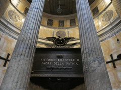 Italy - Rome - Pantheon - Tomb of King Victor Emanuel II (JulesFoto) Tags: italy rome roma pantheon tomb victoremanuelii church
