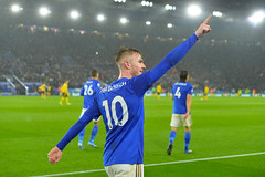 Leicester City v Arsenal (Alex Hannam) Tags: sport soccer clubsoccer leicester england unitedkingdom lcfc leicestercity leicestercityfootballclub arsenal jamesmaddison
