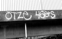 Graffiti in Amsterdam (wojofoto) Tags: amsterdam nederland netherland holland graffiti streetart wojofoto wolfgangjosten tags tag otze 46ers blackandwhite monochrome zwartwit