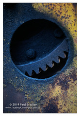 Teeth (ScudMonkey) Tags: copyrightc2019 paulbradley teeth southgare cog window metal machine rust age neglect wear helios 442 50mm canon 5dmkiv