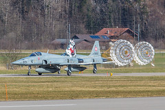 J-3073, Northrop F-5E Tiger II Swiss Air Force @ Meirigen LSMM (LaKi-photography) Tags: flugzeug jet aircraft avion plane fighter airport luftwaffe military militär airbase airfield flughafen flugplatz aeroporto aeropuerto havalimanı havakuvvetleri самолет 航空機 аэропорт 空港 エアフォース ввс военновоздушныесилы northrop f5 tiger schweiz suisse switzerland swissairforce airforce forcaaerea meiringen lsmm spotting canon luftfahrt aviation aviación aviaciónmilitar aviacion