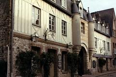 Hôtel Douce France à Veules-les-Roses (Philippe_28) Tags: veuleslesroses caux 76 seinemaritime france europe normandie normandy argentique analogue camera photographie film 135