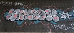 Graffiti in Amsterdam (wojofoto) Tags: amsterdam nederland netherland holland graffiti streetart wojofoto wolfgangjosten throw throwup throwups lumboy