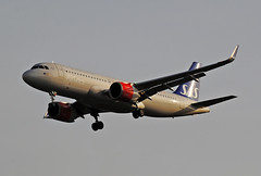 Scandinavian A320 NEO (Infinity & Beyond Photography: Kev Cook) Tags: scandinavian a320 neo eisia sas airlines airways airbus aircraft airplane airliner heathrow airport london lhr egll planespotting photos planes