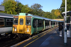 Southern 455806 (Will Swain) Tags: station 19th october 2019 london greater city centre capital south train trains rail railway railways transport travel uk britain vehicle vehicles england english europe transportation class wandsworth common southern 455806 455 806