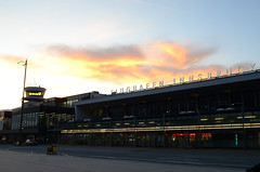 Innsbruck Airport (Wolfgang Binder) Tags: airport innsbruck morning sky clouds nikon d7000 zeiss distagon distagont2825
