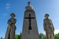 St. Claude War Memorial (Bracus Triticum) Tags: st claude war memorial マニトバ州 manitoba canada カナダ 8月 八月 葉月 hachigatsu hazuki leafmonth 2019 reiwa summer august