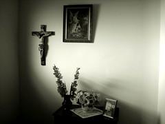 Luz Divina (Sergio Bertolo) Tags: jesuscristo anjodaguarda flores retratos