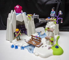 crystalcave_03 (AgeOwns.com) Tags: playmobil crystal princess castle frozen playset toy