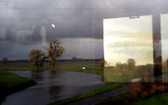 im zug an der elbe (lualba) Tags: zug train fenster window elbe deutschland germany