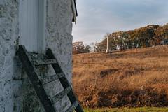 Spring House and Obelisk (Garen M.) Tags: nikkor2470f28s nikonz6 valleyforge washingtonmemorialchapel home
