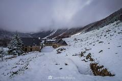 L'Espitau (SantiMB.Photos) Tags: 2blog 2tumblr 2ig conangles nieve snow otoño autumn bosque forest refugio shelter espitaudevielha geo:lat=4262682645 geo:lon=076468355 geotagged senet cataluna españa